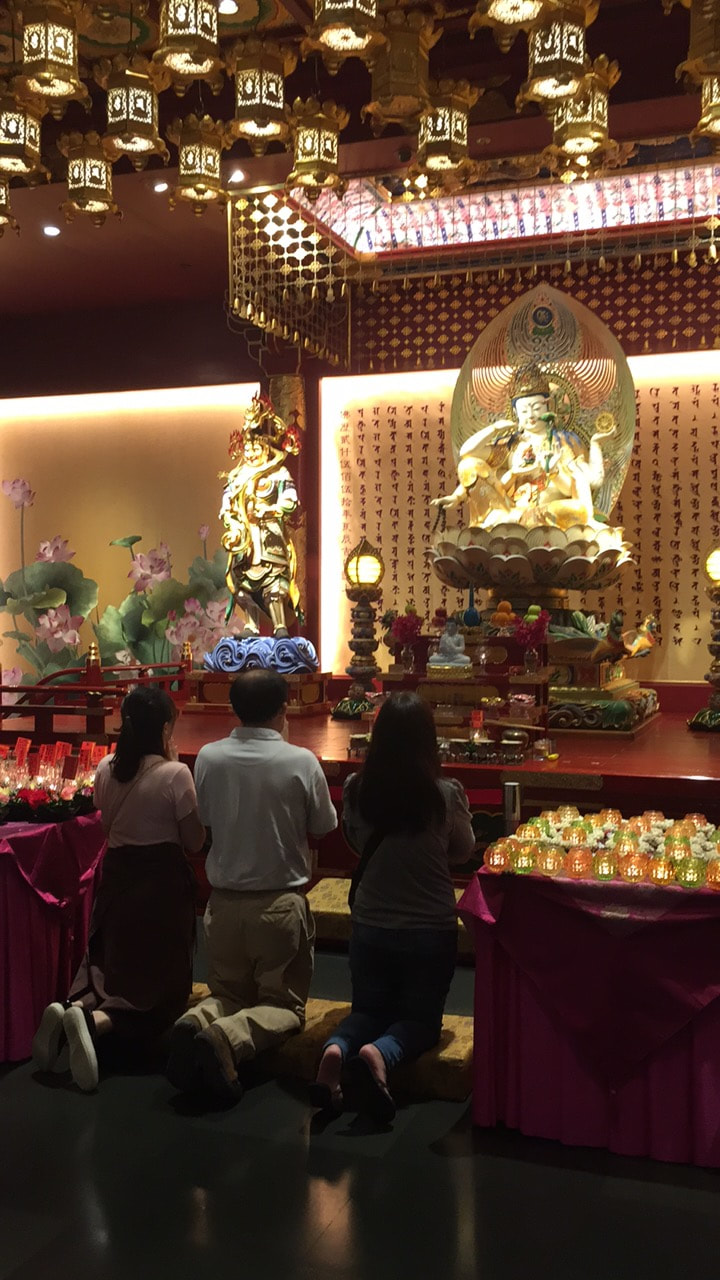 Buddha Tooth Relic Temple, Singapore // Out Of Office With Rebecca
